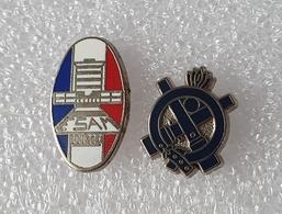 """2 Pin's Armée    """"  SERVICE DU MATERIEL ESAM - Ecole Supérieure Et D'Application Du Matériel """" - Army"""