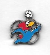 Pin's  Sport  FOOT-BALL  FRANCE 98  Avec  La  Mascotte  Verso  A.B  1995 - Fútbol