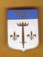 Broche En Laiton émaillé - Porte-Hélicoptère Jeanne D'Arc - Marine - Bateau - Militaria - Armée - Pas Un Pin's - Insigne - Navy
