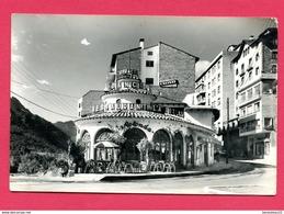 CP (Réf : Z334) VALLS D'ANDORRA - (ANDORRE) ANDORRA LA VELLA Début De L'avenue Meritxell (restaurant,pub CALISAY) - Andorre