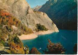 38. CPM. Isère. En Oisans, Près Du Freney, En Longeant Le Lac Du Chambon, Au Fond, La Meije - France