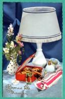 Bonne Fête Maman  Fleurs Cadeaux Fête Des Mères Photochrom  8 Glacée Carte Vierge TBE - Fête Des Mères