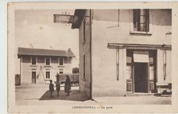 Longechenal  38   Au Fond Entrée De La Gare -Rue Animée Et Au Coin Café - France