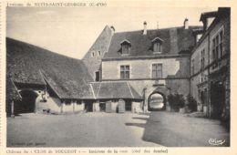 """Château Du """"Clos De Vougeot"""" - Intérieur De La Cour - Côté Des Ecuries - Nuits Saint Georges"""