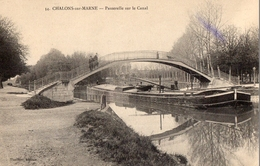CPA Batellerie  -51 - CHALONS-SUR-MARNE - Passerelle Sur Le Canal - Péniche - FM - Châlons-sur-Marne