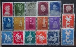 NEDERLAND  1957   Nr. 702-706 / 707- 711 / 712 / 713-14 / 715-19   Postfris **   CW 44,00 - Period 1949-1980 (Juliana)