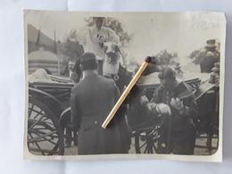 ORGINELE FOTO AFMETINGEN 11 CM OP 8 CM  KONING LEOPOLD II EN DOCHTER PRINCESSE CLEMENTINE  ST TROND  BEZOEK EXPO 1907 - Sint-Truiden