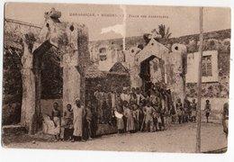 MADAGASCAR * AFRIQUE * MORONI * PLACE DES ASSEMBLEES * Carte Sépia - Madagaskar