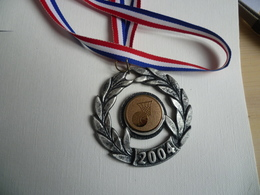 Médaille Sport Basket 2004 - Habillement, Souvenirs & Autres