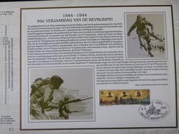 """BELG.1994 2571 : """" 50é VERJAARDAG VAN DE BEVRIJDING """" Filatelistische Kaart Zijde NL.(CEF), Gelimiteerde Oplage - FDC"""