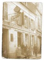 """80 CAYEUX Sur MER Ou St VALERY  ( Somme )   CARTE PHOTO  HOTEL GRENOTTE - CREVELLE  AU LION NOIR    """" état """" .. - France"""