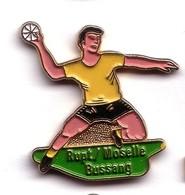 A109 Pin's Handball Club BUSSANG RUPT SUR MOSELLE Vosges Achat Immédiat - Handball