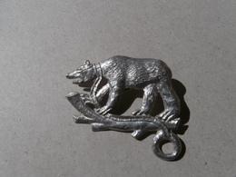 L'ours - Bestiaire Du Moyen Age -La Force- The Bear -medieval Symbolism - étain-pewter-zinn - Pin's