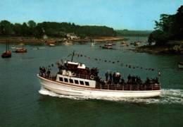 """CPM - VANNES - Les """"VEDETTES VERTES"""" Excursions Sur Le Golfe Et La Rivière D'AURAY ... - Edition Y.R.Caoudal - Bateaux"""