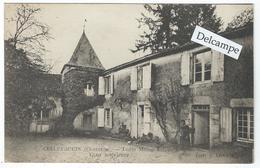 CELLEFROUIN (16) - Logis Maine Salomon - Cour Intérieure - France
