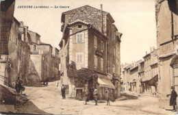 07 ARDECHE Le Centre Village De JOYEUSE Devant Le Café Français - Joyeuse