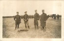 CARTE PHOTO MANOEUVRES MILITAIRES 1911  REGIMENT N°99 SUR KEPI DE DROITE - Manoeuvres