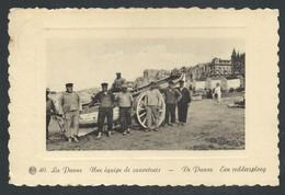 +++ CPA - DE PANNE - Une équipe De Sauveteurs - Een Reddersploeg  // - De Panne
