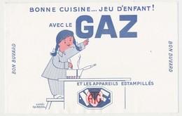 Buvard 21 X 13.6 Bonne Cuisine Jeu D'enfant  Avec Le GAZ (1) Appareil Estampillé ATG NF  Dessin D'après Fix-Masseau - Electricidad & Gas