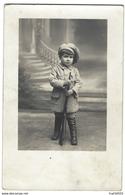 Ancienne Photo - Enfant Tenant Un Fusil Jouet - Phot. Godefroy à Pontoise - Photos