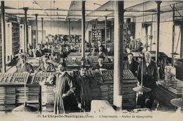 CPA 61 LA CHAPELLE MONTLIGEON - L'imprimerie - Atelier De Typographie - Otros Municipios