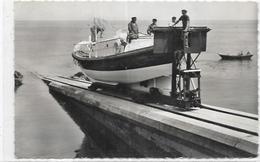 D 50.  BARFLEUR.   LE CANOT DE SAUVETAGE CRESTEY ET SAUVE - Barfleur