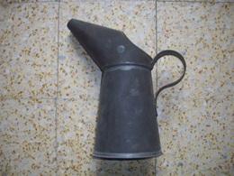 Pot Anglais En Fer Daté De 1941  39-45. WW2 - 1939-45