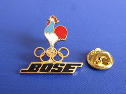 Pin's Bose - éléctronique Son - Albertville 92 - JO Jeux Anneaux Olympiques Hiver Coq Sportif France (PH25) - Olympic Games