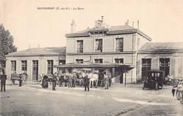 GUINGAMP  - La GARE (TRES  Animée ) - Guingamp