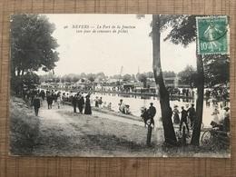 NEVERS Le Port De La Jonction ( Un Jour De Concours De Pêche ) - Nevers