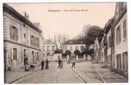 Vaujours - Place De L'ancien Marché - édit. Caille  + Verso - France