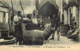 VAL D'OISE  ARGENTEUIL  LES VENDANGES  Le Rinçage Des Tonneaux - Argenteuil