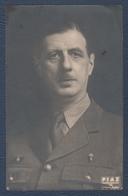 Photo (pas Carte Postale).Général De Gaulle,Croix De Lorraine France Libre Sur Sa Veste. - Guerre, Militaire