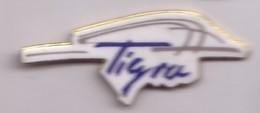 V137 Pin's OPEL TIGRA Qualité Egf  Achat Immediat - Opel