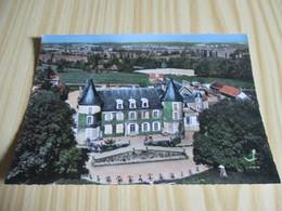 Dompierre-sur-Besbre (03).Le Château De La Bergerie. - France