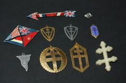 """WWI - Joli Lot De 10 Souvenirs De La Libération 1944/1945 """"Croix De Lorraine, Charles De Gaulle"""" Résistance - FFI - WW2 - 1939-45"""