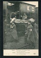 CPA - 1914... Transport D'un Blessé Dans Un Train Sanitaire, Animé - Oorlog 1914-18