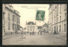 CPA Montlhery, Ecole Communale Des Garcons Et Place De La Sanche - Montlhery