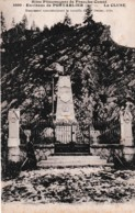 LA CLUSE ENVIRONS DE PONTARLIER MONUMENT COMMEMORATIF DE FEVRIER 1871  REF 65669 - Monumenti Ai Caduti