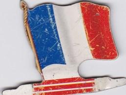 Figurine Publicitaire Biscuits L'Alsacienne Petit-Exquis - Drapeau - France - Années 60/70 - Tôle - Drapeaurama - Publicité