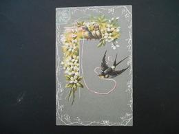 Hirondelles Tenant Un Ruban Roses, Fleurs Blanches - Gaufrée - Oiseaux