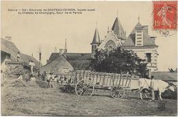 58 - Environs De CHATEAU-CHINON, Façade Ouest Du Château De CHAMPIGNY, Cour De La Ferme. Animée, Circulé En 1907. BE. - France