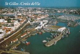 85.  SAINT GILLES CROIX DE VIE. CPSM. VUE AERIENNE. VUE GENERALE. LE PORT DE PECHE - Saint Gilles Croix De Vie