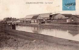 CPA - 59 - COURCHELETTES - Le Canal - Dépôt De Gas Oil - France