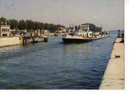 13 PORT ST LOUIS DU RHONE Le Canal Du Rhone, Bateau La Perouse - France
