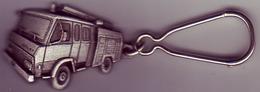 (Divers). Porte Clefs Années 1970-80. Berliet Camion Sapeurs Pompier & SP (2) - Porte-clefs
