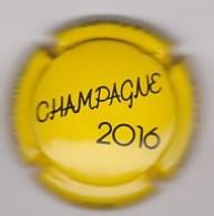 Capsule Champagne LOUIS Michel & Fils ( 1b ; Millésime 2016 , Jaune Et Noir ) {S19-20} - Champagne