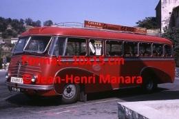 Reproduction Photographie D'un Ancien Bus Delahaye Ligne Cannes à Vallauris Garé Sur Un Parking En 1967 - Reproductions