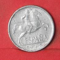 SPAIN 5 CENTIMOS 1945 -    KM# 765 - (Nº35145) - [ 4] 1939-1947 : Gobierno Nacionalista