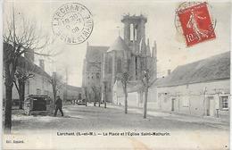 77, Seine Et Marne, LARCHANT, La Place De L'Eglise Saint-Martin, Scan Recto Verso - Larchant